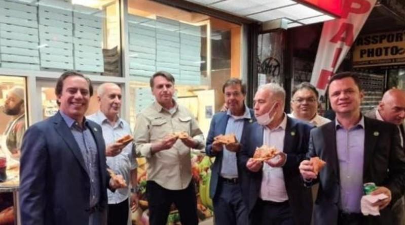 Bolsonaro, obligado a comer en la calle de Nueva York por no estar vacunado